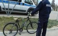 Kradzież roweru dla wielu złodziei stała się źródłem niezłego zarobku. Pilnujmy więc sami swojego roweru.