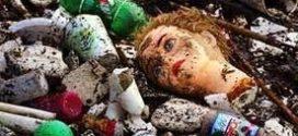 To przerażające. Plastik odkryto w ludzkich organizmach. S.O.S. – ratujmy siebie samych.